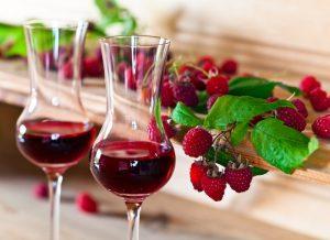 Рецепт малинового вина в домашних условиях