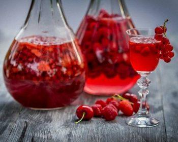 Домашняя наливка из красной смородины, рецепт