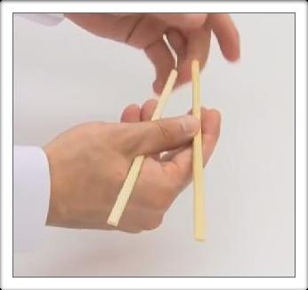 Как правильно есть китайскими палочками 03