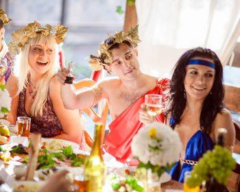 Как организовать вечеринку на древнегреческий манер
