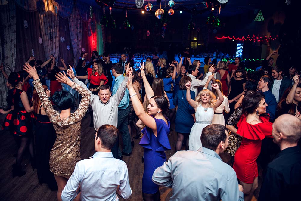 часть любого корпоративного веселья – танцы