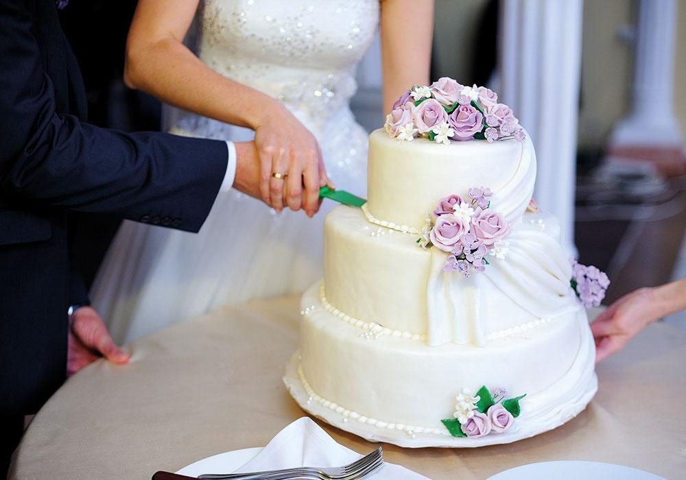 Как выбрать свадебный торт: полезные советы