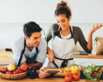 love story в локации кухня