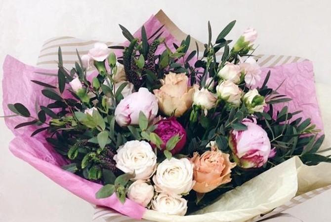 Какие цветы подарить на день рождения?