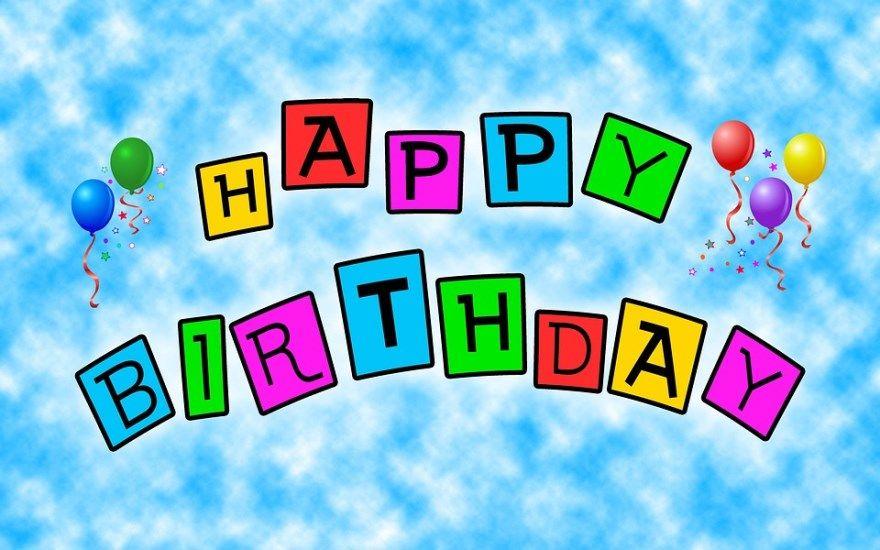 Как эффектно поздравить с днем рождения