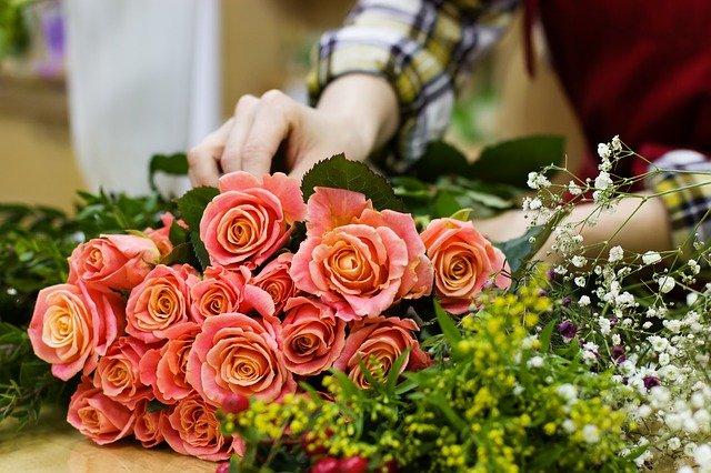 Преимущества и недостатки онлайн доставки цветов