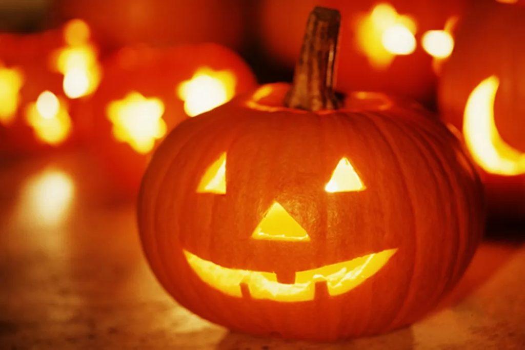 Организовать идеальную домашнюю вечеринку в честь Хэллоуина за 8 простых шагов